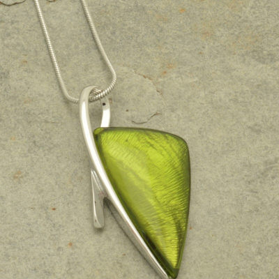 FN207 Green Arrow Necklace